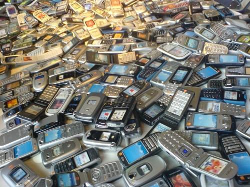 CellphonesPile