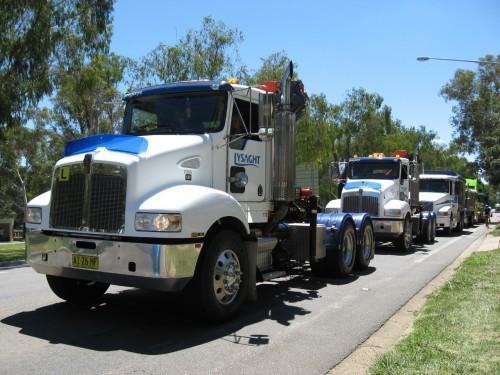 Truck_convoy-08