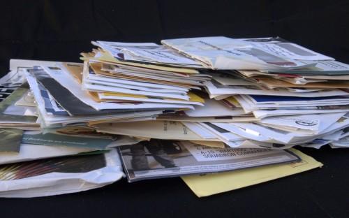 envelopes mail pile