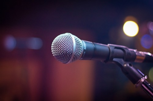 pixabay-microphone-testify-speak