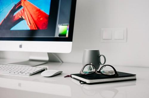 pixabay-office-website-desk-computer-webinar